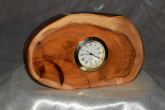 Small landscape yew slice desk clock by Wood Cave