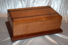 Quarter sawn oak candle box / keepsakes box by Wood Cave